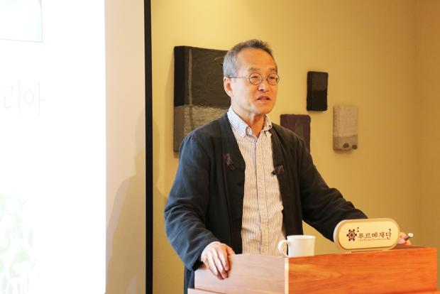 더미라클스 조찬회에서 생명다양성의 가치에 대해 강연한 최재천 교수
