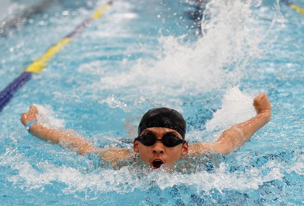 수영대회 참가선수가 물길을 가르며 힘찬 레이스를 펼치고 있다. (출처 : 아시아투데이)