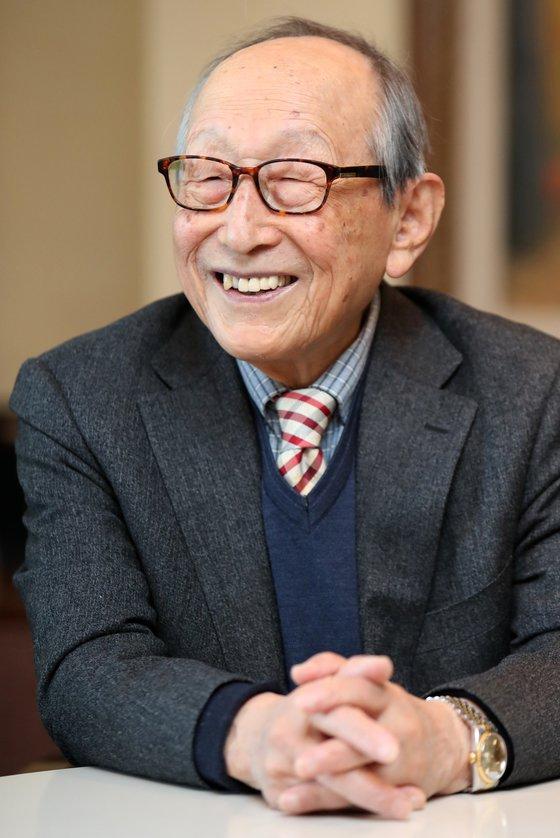 """김형석 연세대 명예교수는 """"일을 할 때는 돈보다는 가치를 좇아야 한다""""고 조언했다. [중앙 포토]"""