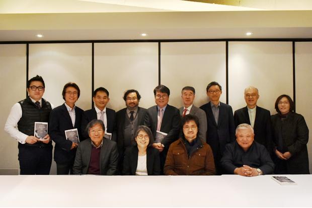 김영란 전 대법관과 참석자들