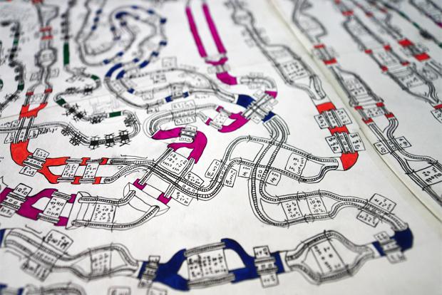 ▲ 구불구불하게 이어진 노선의 다양한 역과 터널들로 재밌는 이야기가 완성된다.