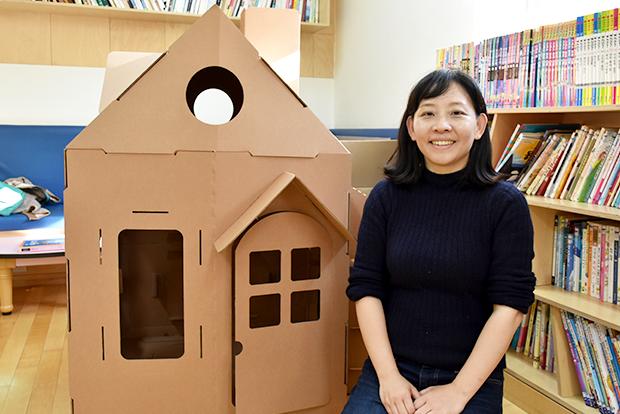 장애어린이들을 위해 종이집을 선물한 곽나연 종이 건축가