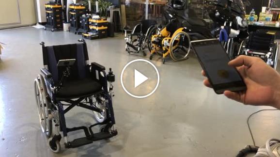동영상 1 - 토도드라이브를 장착한 휠체어로 대중 교통을 이용하는 모습