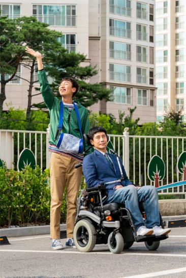 장애인과 비장애인이 함께하는 삶을 그린 영화 '나의 특별한 형제' (출처 : 다음 영화)