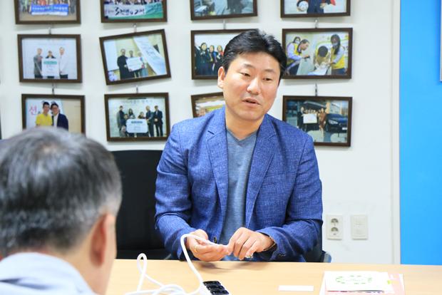 클릭탭의 판매 수익금을 기부하겠다고 약속한 태주산업 신헌수 대표