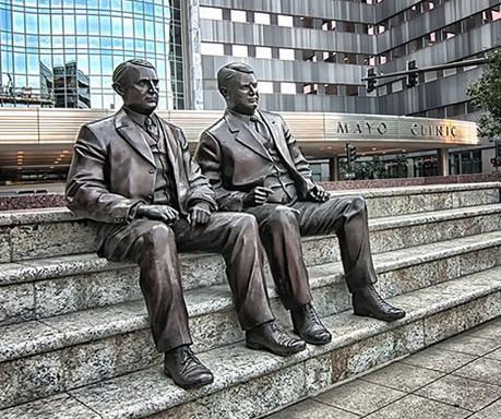 ▲ 메이요 형제(William James Mayo와 Charles Horace Mayo) 동상