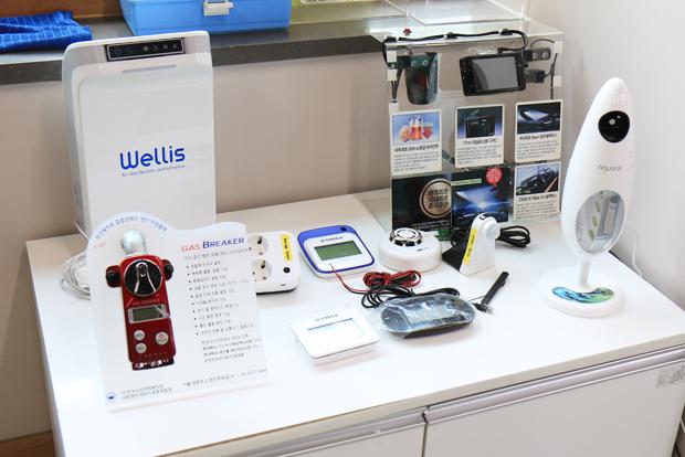 라피드보호작업장이 납품하고 있는 다양한 전자제품.