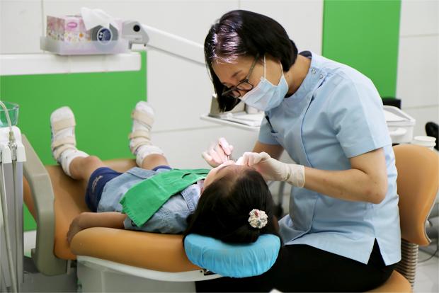 어린이부터 성인까지 한 명 한 명 세심히 진료하는 푸르메치과 의료진