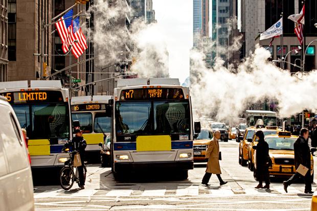 장애인‧노인 등 교통 약자를 배려하는 뉴욕의 버스 (게티이미지뱅크)