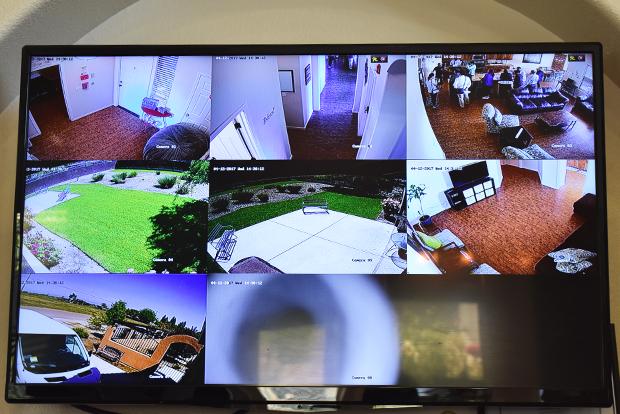 위험상황을 예방하기 위한 감시카메라