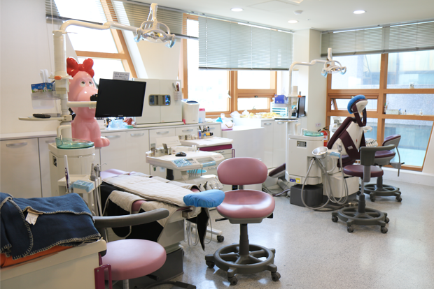나로센터 근로장애인의 치과치료를 전담하고 있는 더스마일치과의원.
