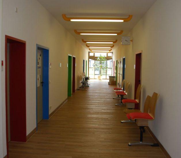 ▲ 치료실마다 다양한 색으로 칠해 편안한 분위기를 조성했다.