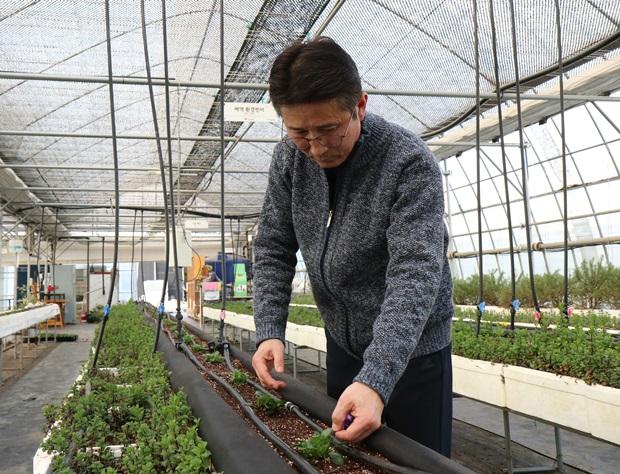 """""""발달장애인이 자연의 품에서 행복할 수 있는 농장을 만들겠습니다."""""""