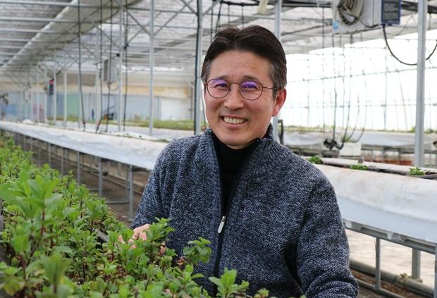 장애인 직업재활전문가로 푸르메스마트팜 서울농원을 이끌게 된 장경원 원장